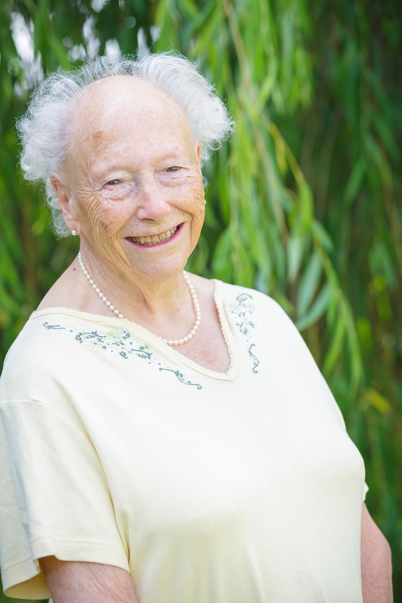 TCS 18 – Portraits – Lady Dunrossil 002